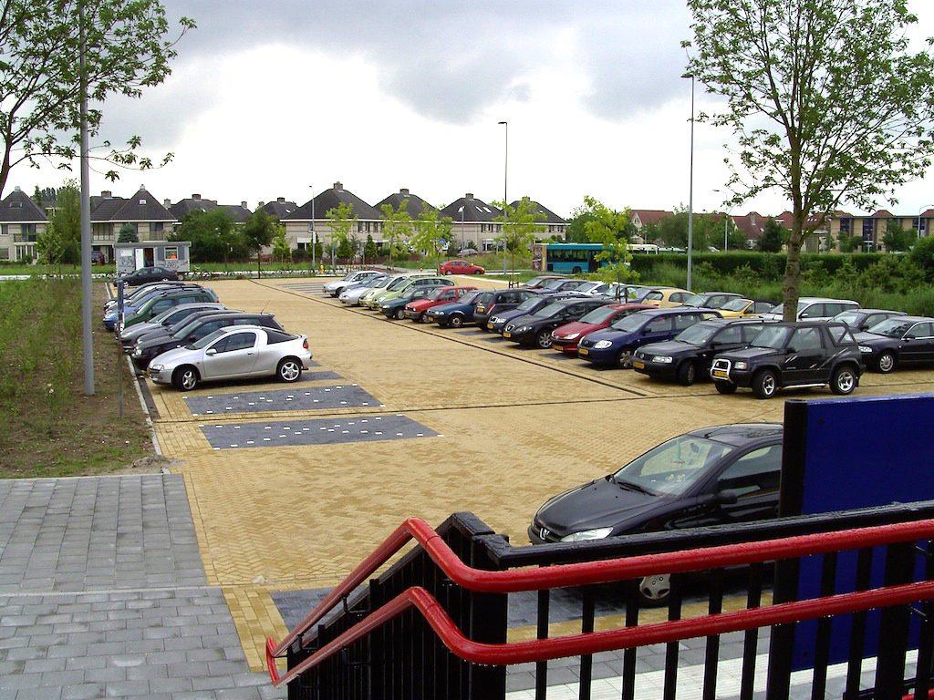 Station Passewaaij in Tiel - parkeerplaats